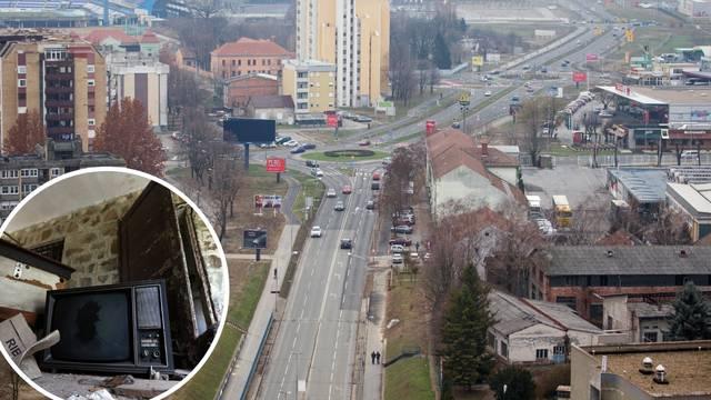 Susjedi iz pakla: Kroz prozore lete pločice, hrana i kondomi