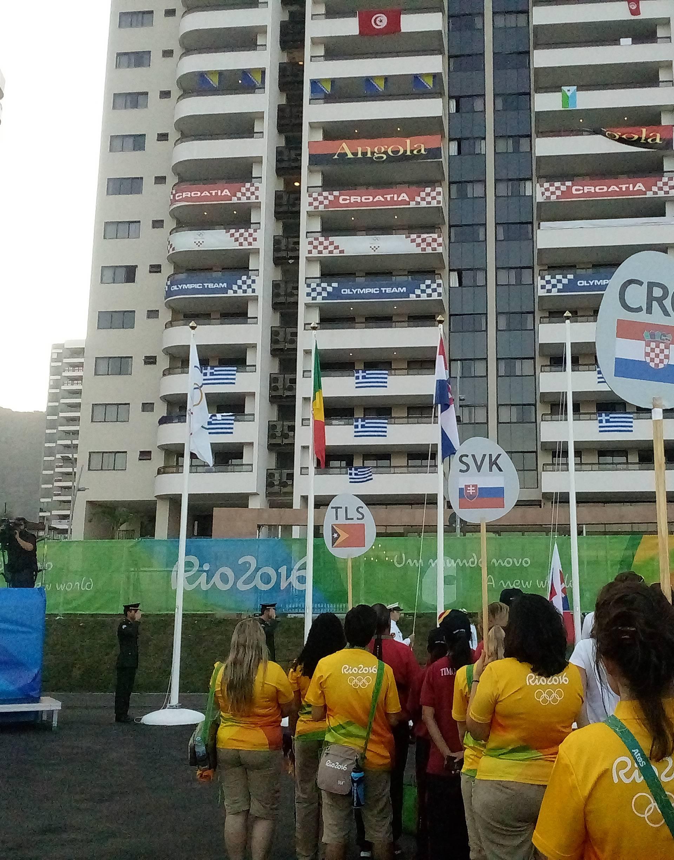 Uz zvukove himne zaviorila se 'trobojnica' u Olimpijskom selu