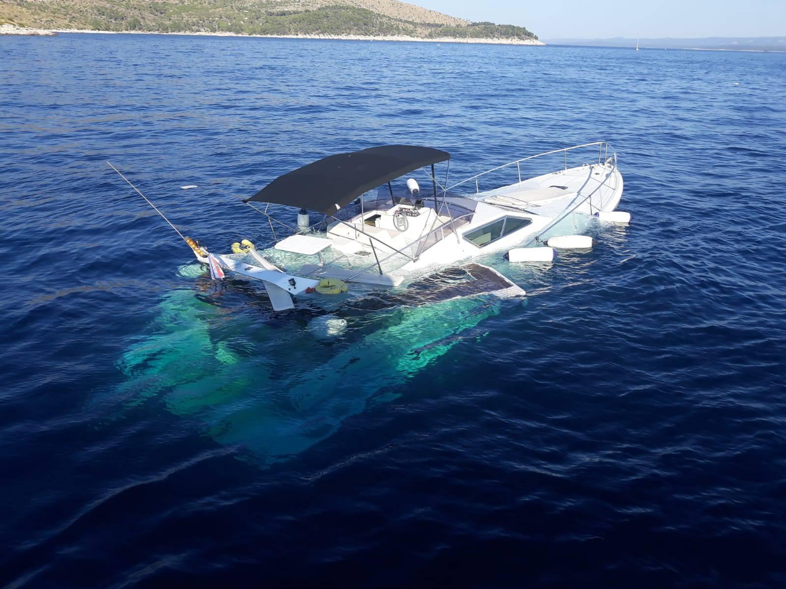 Niz nesreća na moru: Žena je pala s broda, potonula jahta...