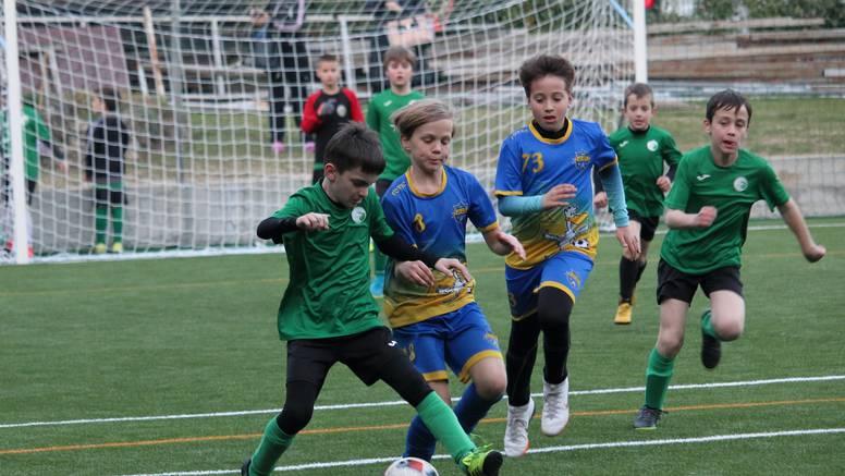 Prvi nogometni koraci uz školu nogometa Žuti Brijeg