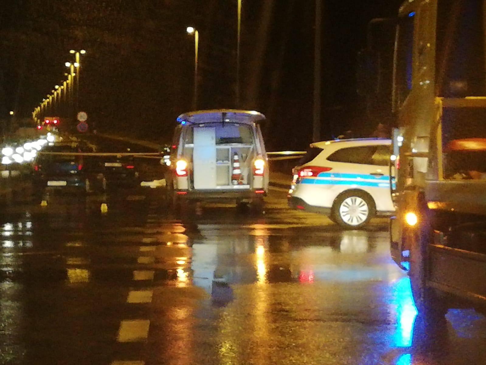 U sudaru tri automobila kod Splita poginula je žena (73)