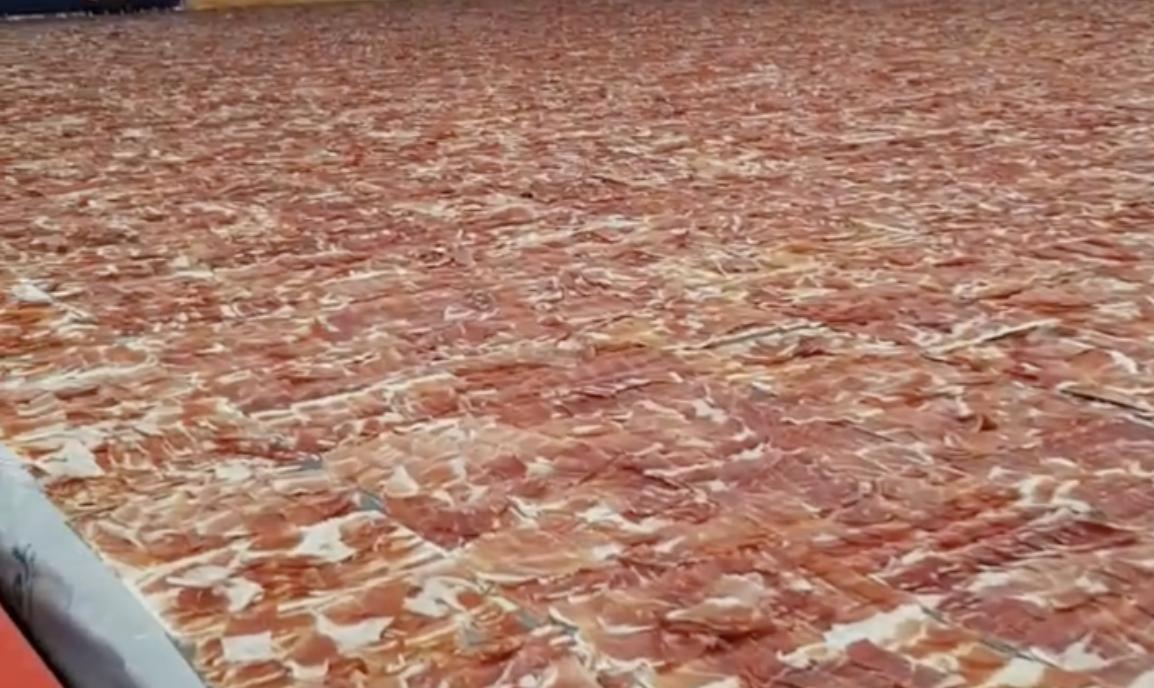 Mega plata s 500 kg pršuta! Španjolci žele oboriti rekord