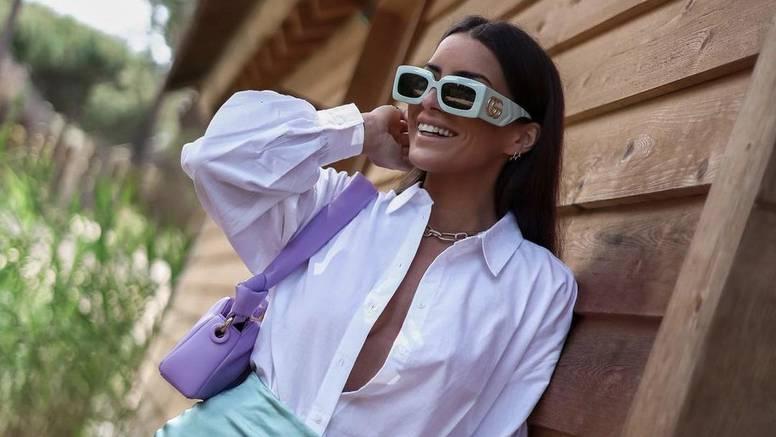 Divne pastele i ravne natikače idealan su par bijeloj košulji