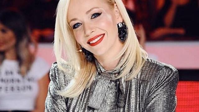 Jelena Rozga: Nadam se da će uskoro biti poljubaca, sama sam