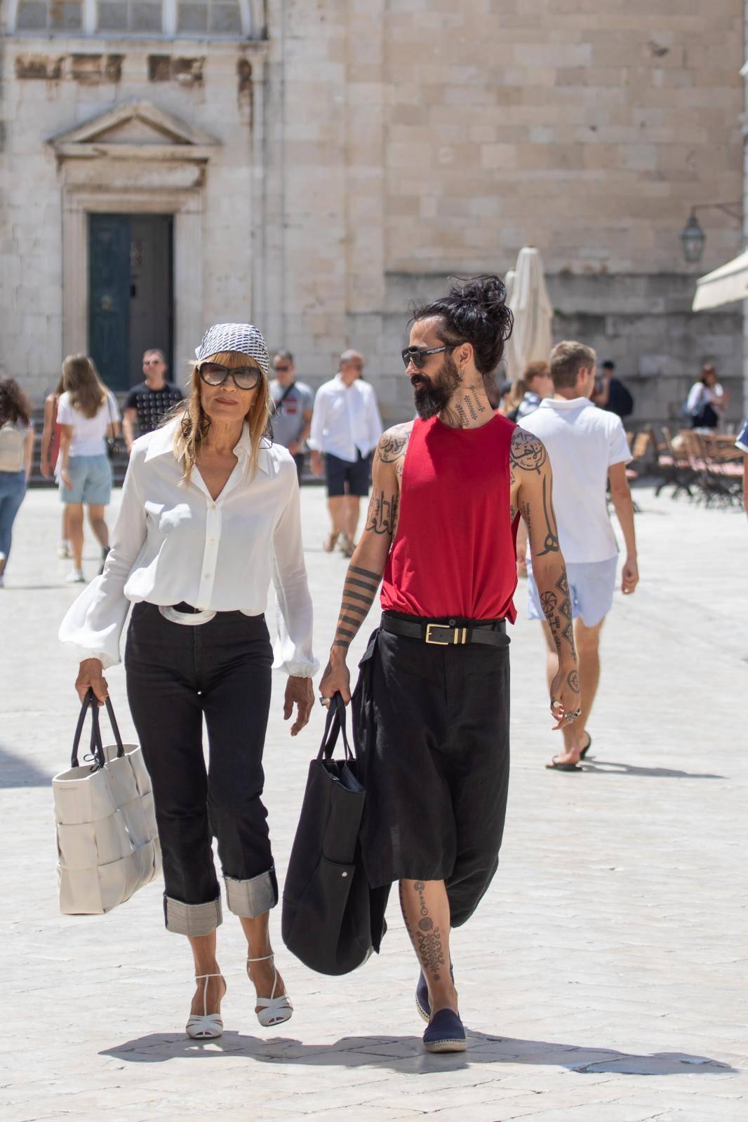 Dubrovnik: Đurđa Tedescki i Božo Vrećo u šetnji Stradunom
