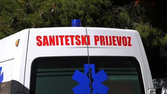 Korčula: Žena umrla u sanitetu, sin razbijao i prijetio doktorima i osoblju da će ih sve poubijati