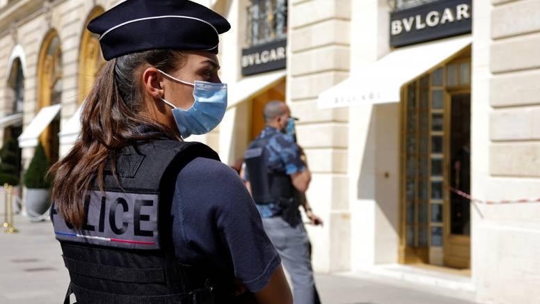 Filmska pljačka usred Pariza: Upali u draguljarnicu i ukrali nakit vrijedan 10 milijuna eura
