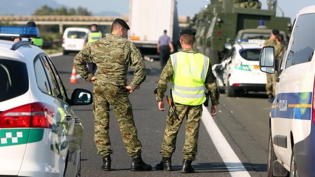 Vojni policajac poginuo na autocesti, pogazio ga kamion