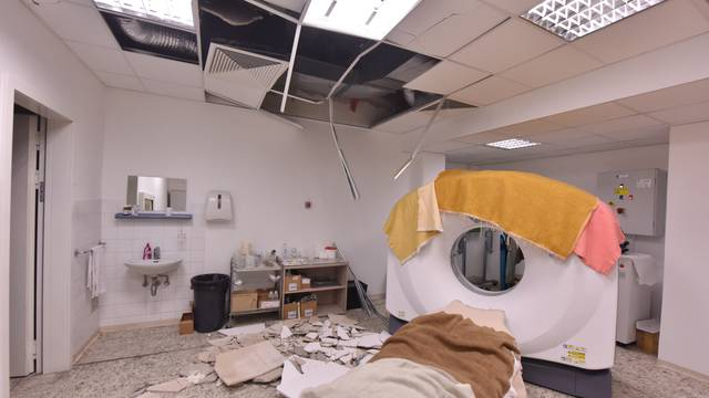 Komadi teški i do 3 kg: Urušila se žbuka u bolnici u Šibeniku