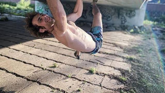 Korona je pomrsila planove i škotskom Spidermanu - novi hit mu je sad penjanje po mostu