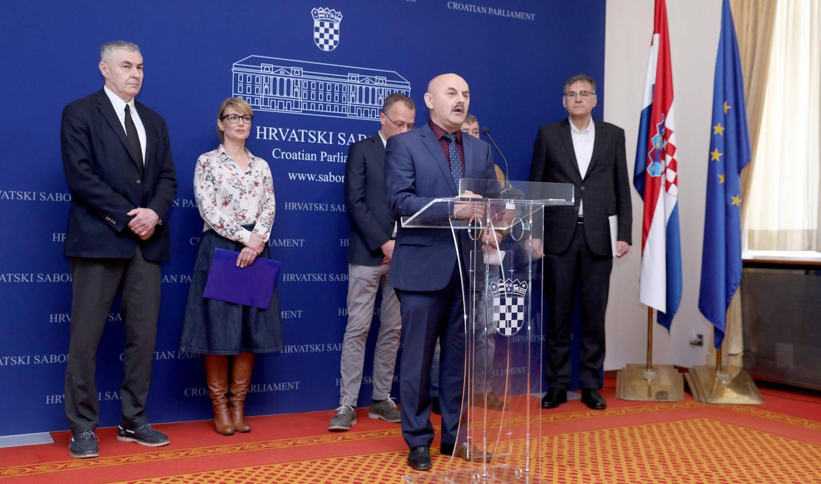 Zagreb: Klub zastupnika Neovisni za Hrvatsku održali konferenciju za medije