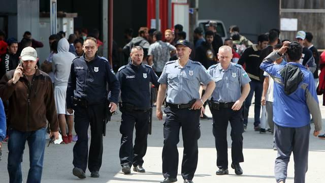 U prihvatilištu za migrante Miral u Velikoj Kladuši u jutarnjim satima izbio požar