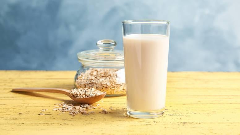 Napravite zobeno mlijeko sami - daleko je jeftinije od kupovnog