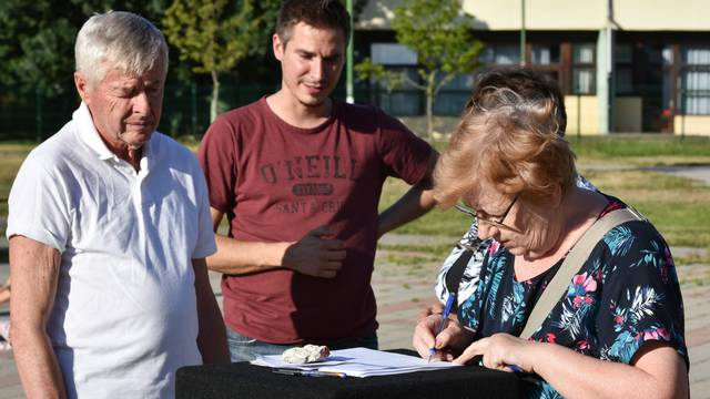 Građani protiv ograde u parku u Travnom: Bez žice za klince!