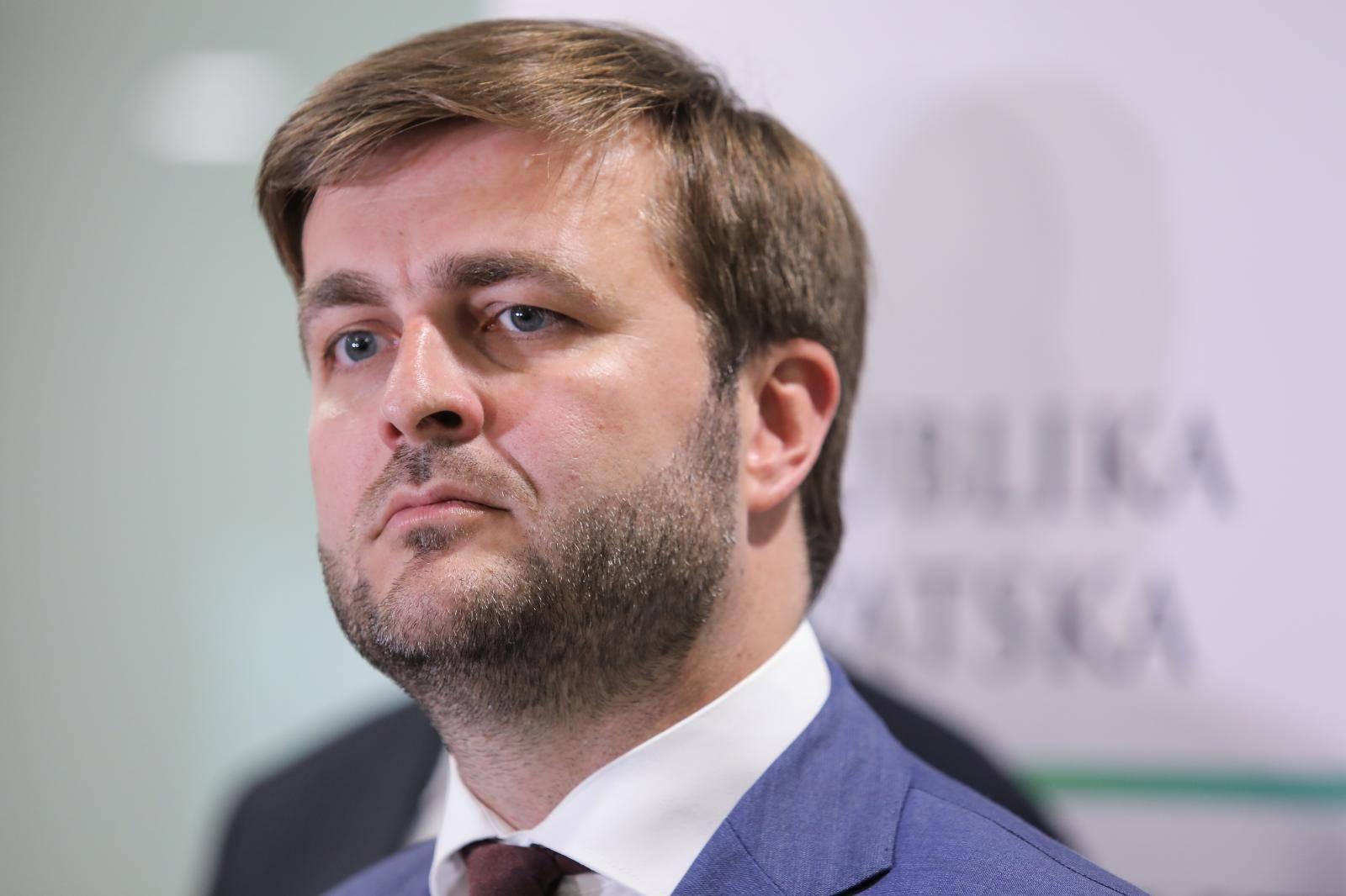 Zagreb: Ministar Ćorić dao izjavu o popunjenju slobodnog kapaciteta LNG terminala na Krku