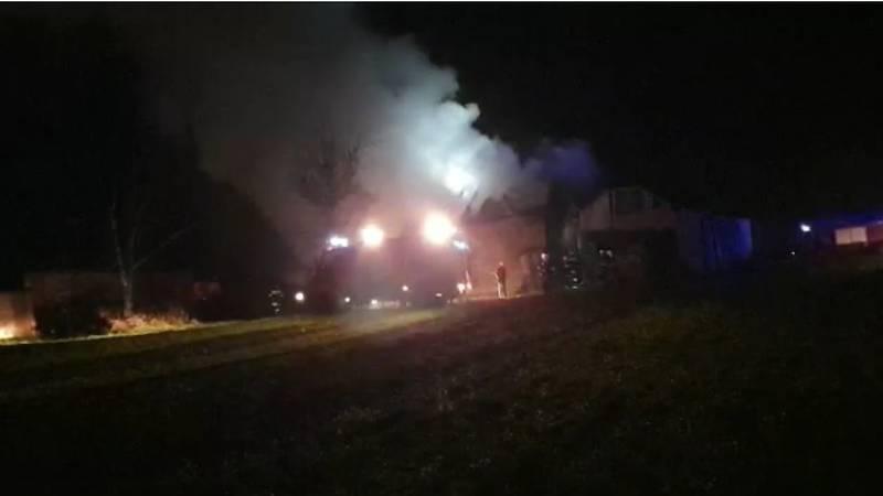 Veliki požar u naselju Repaš, brojni vatrogasci gasili vatru