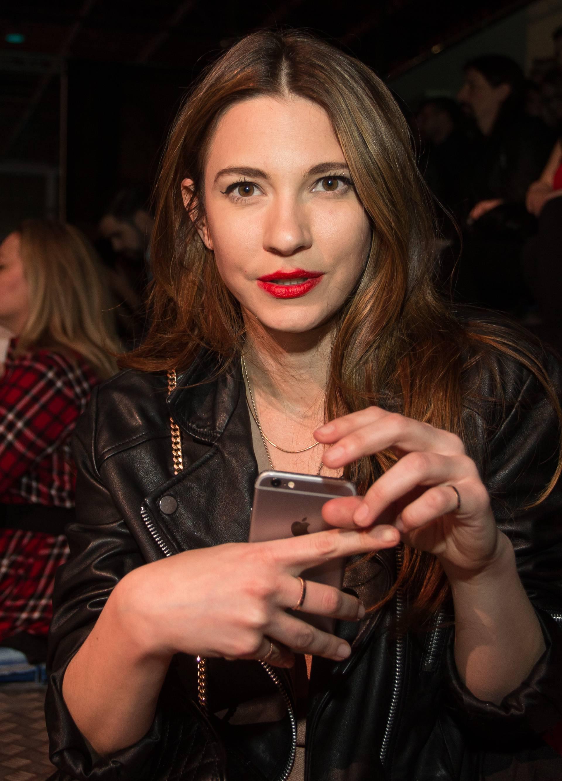 Sara Renar je posebna gošća na koncertu Darka Rundeka
