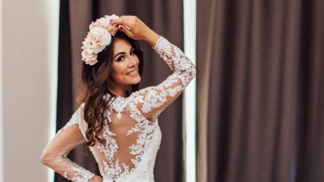 Zablistala u vjenčanici: Jelena Glišić fotkom šokirala prijatelje