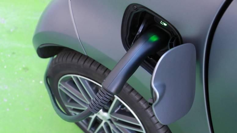 Troškovi popravka električnih automobila viši su od klasičnih