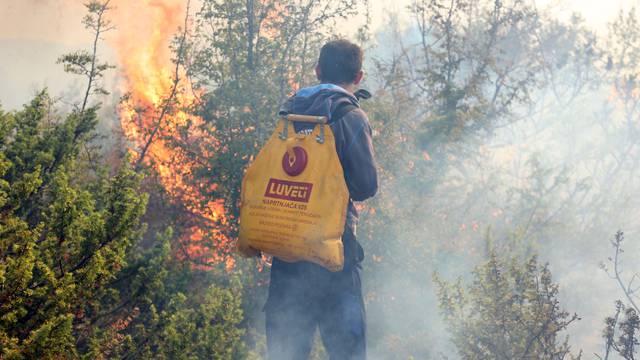 Izazivanje požara u Benkovcu: Dvije žene dale iskaz na policiji