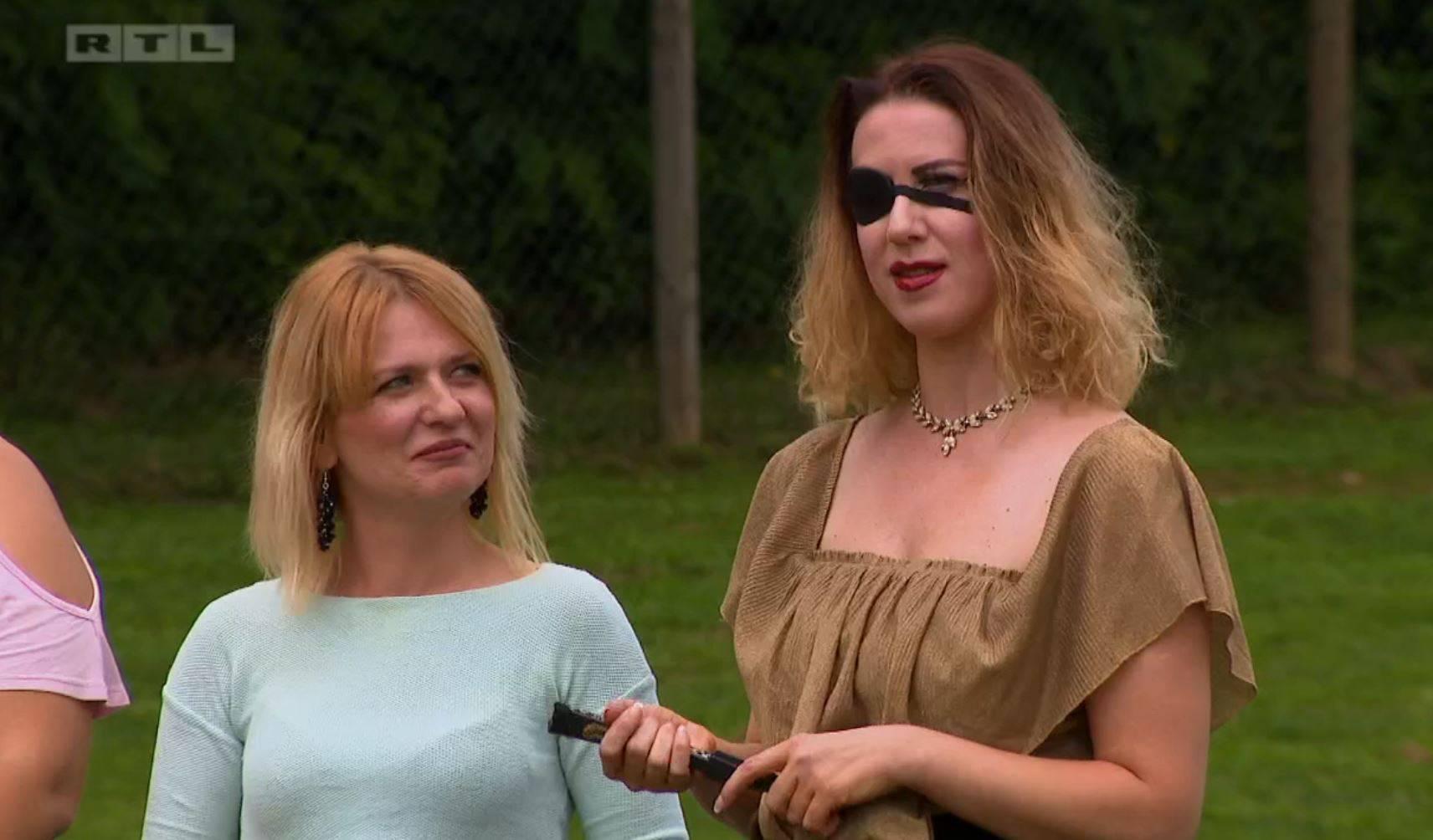Neugodni brzi spojevi: Ivanka došla s povezom preko oka...