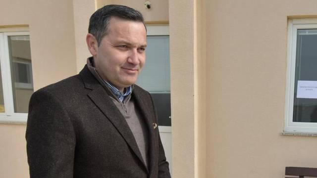 Marijan Kustić(HDZ) glasovao je na izbornom mjestu u Kustićima