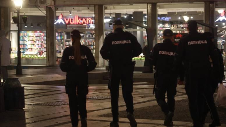 'Srbiji su potrebne strože mjere, mora razmišljati o izvanrednom stanju i  o policijskom satu...'