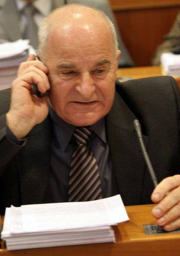 R.Anić