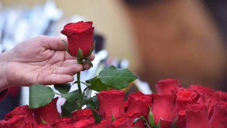 Zašto bismo trebali prestati kupovati ruže na Valentinovo?