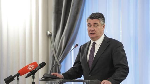 Milanović u Makarskoj: Uzmite novac iz europskih fondova