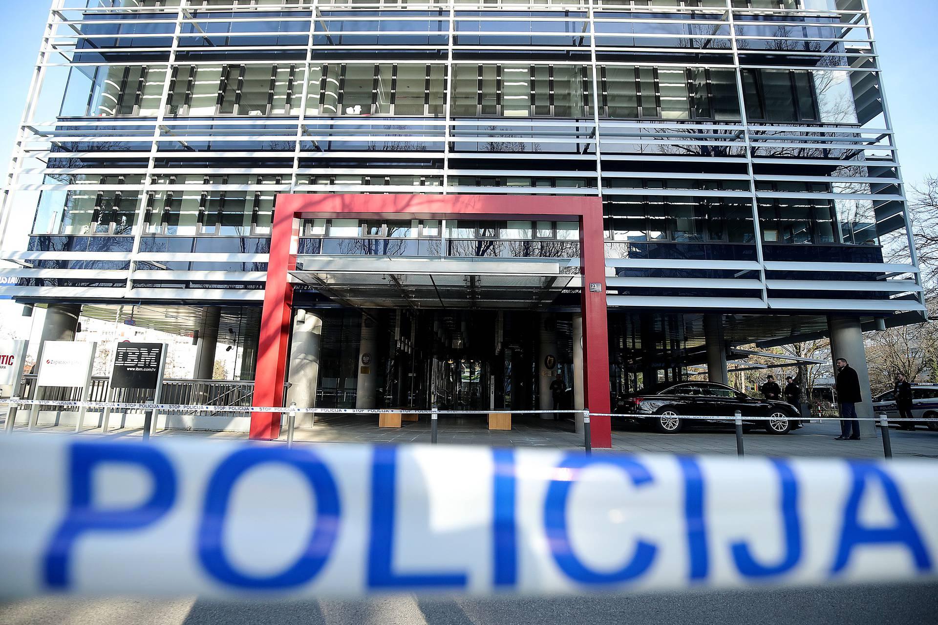 Lažna dojava: Policija dva sata tražila bombu u Eurocentru