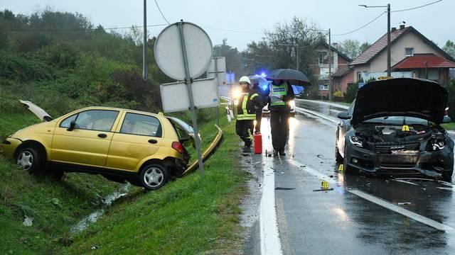Žažina: Jedna osoba poginula u sudaru dva osobna vozila