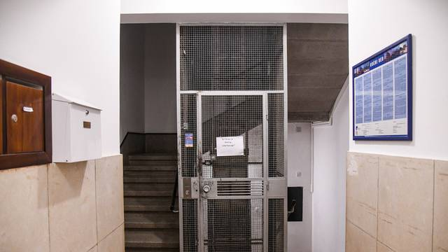 Dječaku (6) kojeg je prignječio lift u Zagrebu stradala su pluća i jetra, ali mozak mu nije oštećen