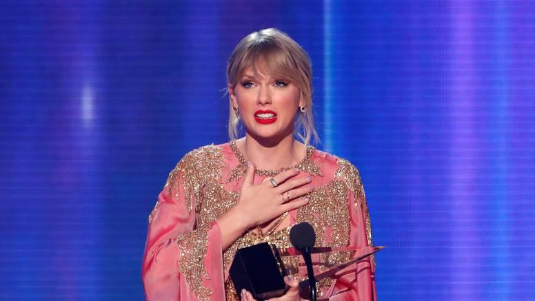 Swift je pomela konkurenciju: Njeni albumi su najprodavaniji