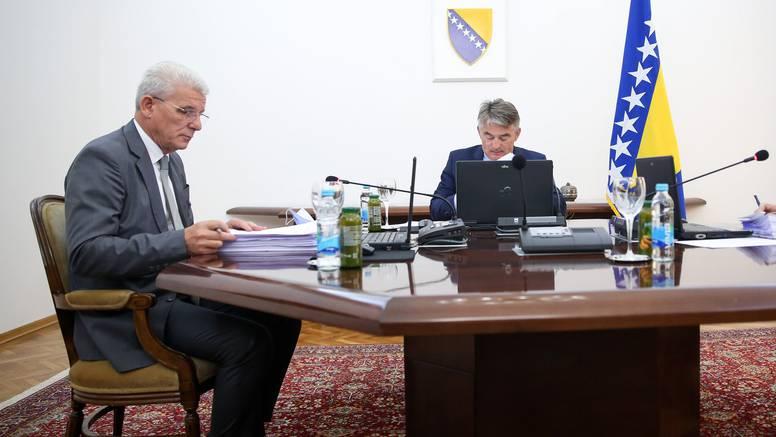 Čelnici vrha BiH: 'Uhićenje osumnjičenika za ratni zločin je pokušaj revidiranja ratne istine'