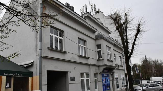 Nova Gradiška - Ravnatelj Centra za socijalnu skrb Branko Madunić govori o slučaju pretučene djevojčice koja se u bolnici bori za zivot.