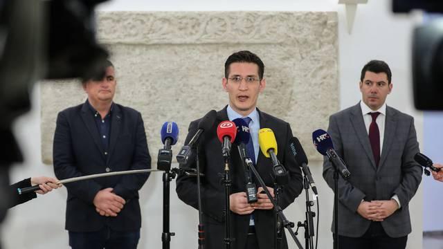 'Odustajanje Vanđelića za nas je odlično jer bi nam na izborima bio najozbiljniji protukandidat'