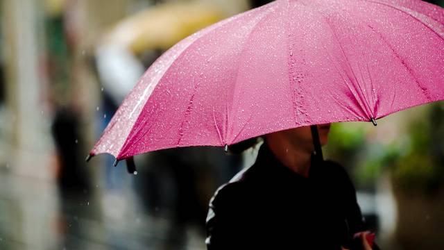 Zagreb: Kratkotrajna kiša osvježila je centar grada
