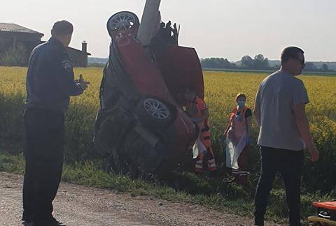 Auto mu se gotovo prepolovio, mladić (22) preminuo u bolnici