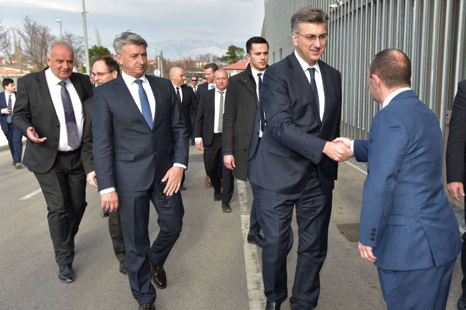 Andrej Plenković s kolegama posjetio grad Nin