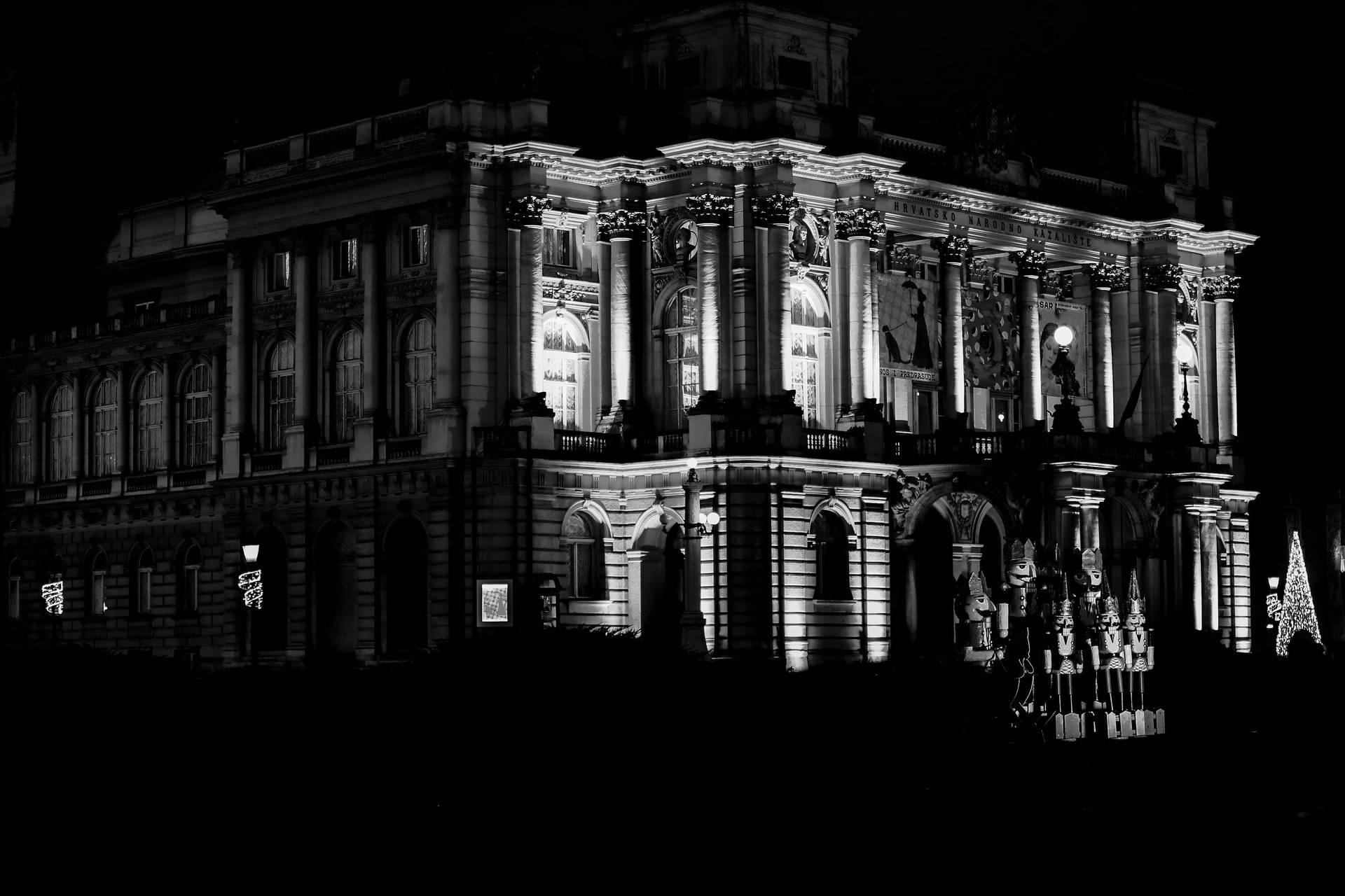 Prošetajte se virtualno kroz crno-bijelu galeriju Adventa