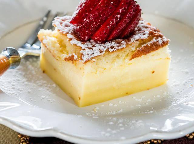 Magični kolač: Tri fina sloja iako ste u protvan ulili jednu smjesu