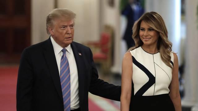 Donald Trump on reopening schools - Washington