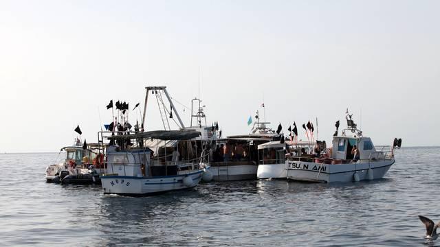 Policija savjetovala ribarima: 'Sutra se ponašajte normalno'