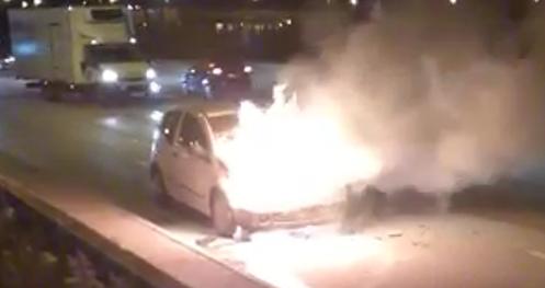 VIDEO Auto izgorio kod Splita: 'Dimilo se, vozač je uspio izaći'