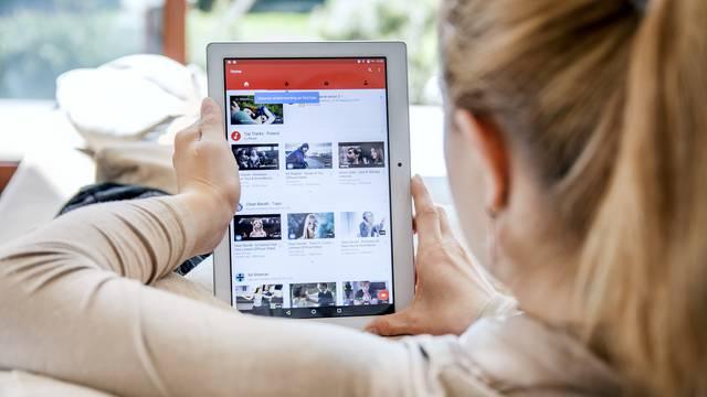 YouTube uz pomoć Wikipedije ide u borbu protiv lažnih vijesti