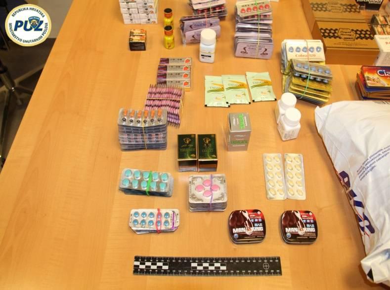 Policija ulovila bračni par zbog dilanja viagre, našli 28 kutija