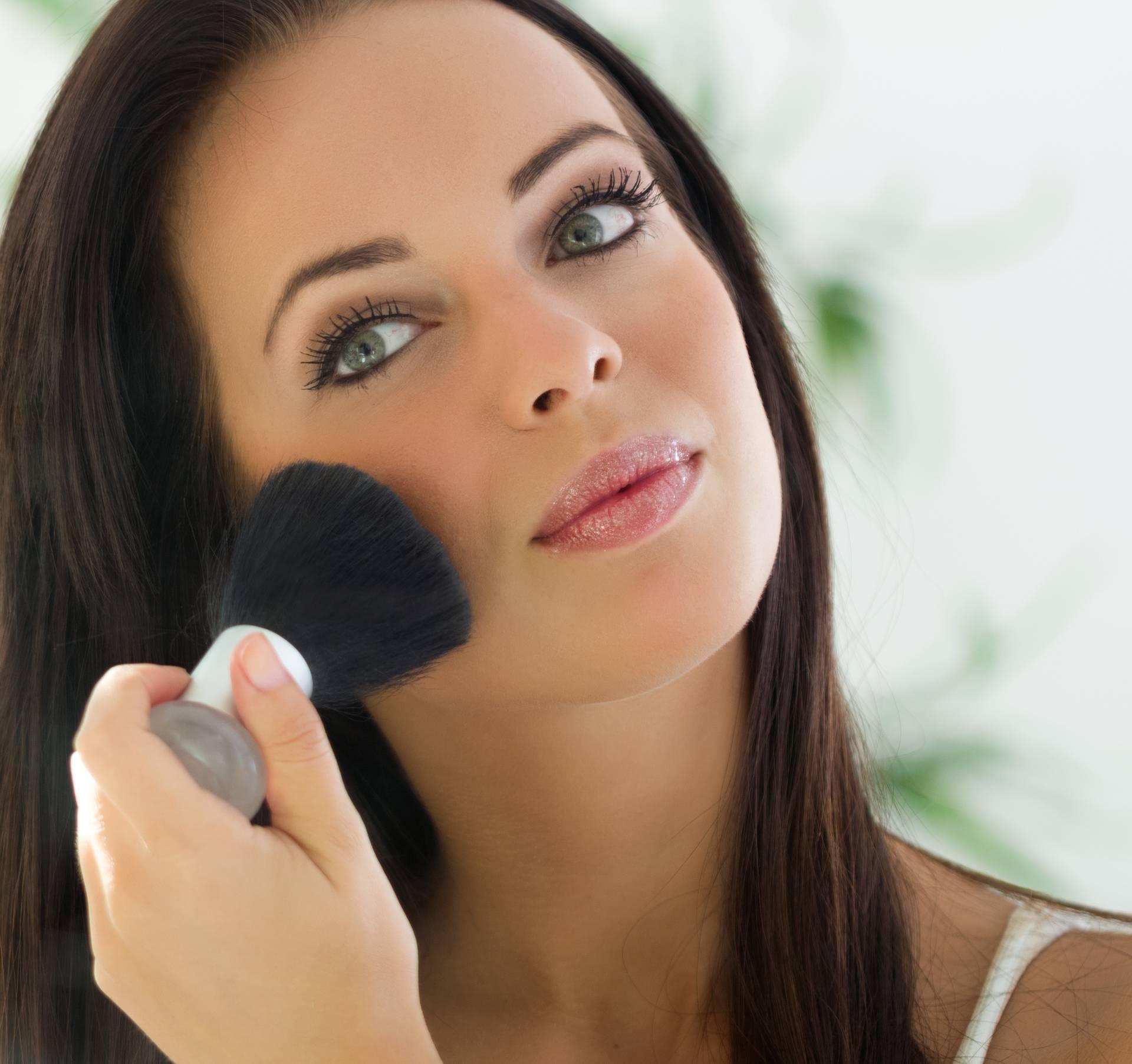 Šminka nekad čini čuda: Sedam razloga zašto nam 'dobro dođe'