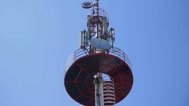 TOP Radio potpisao ugovor o koncesiji za 101 MHz, dva člana Vijeća bila su protiv potpisa
