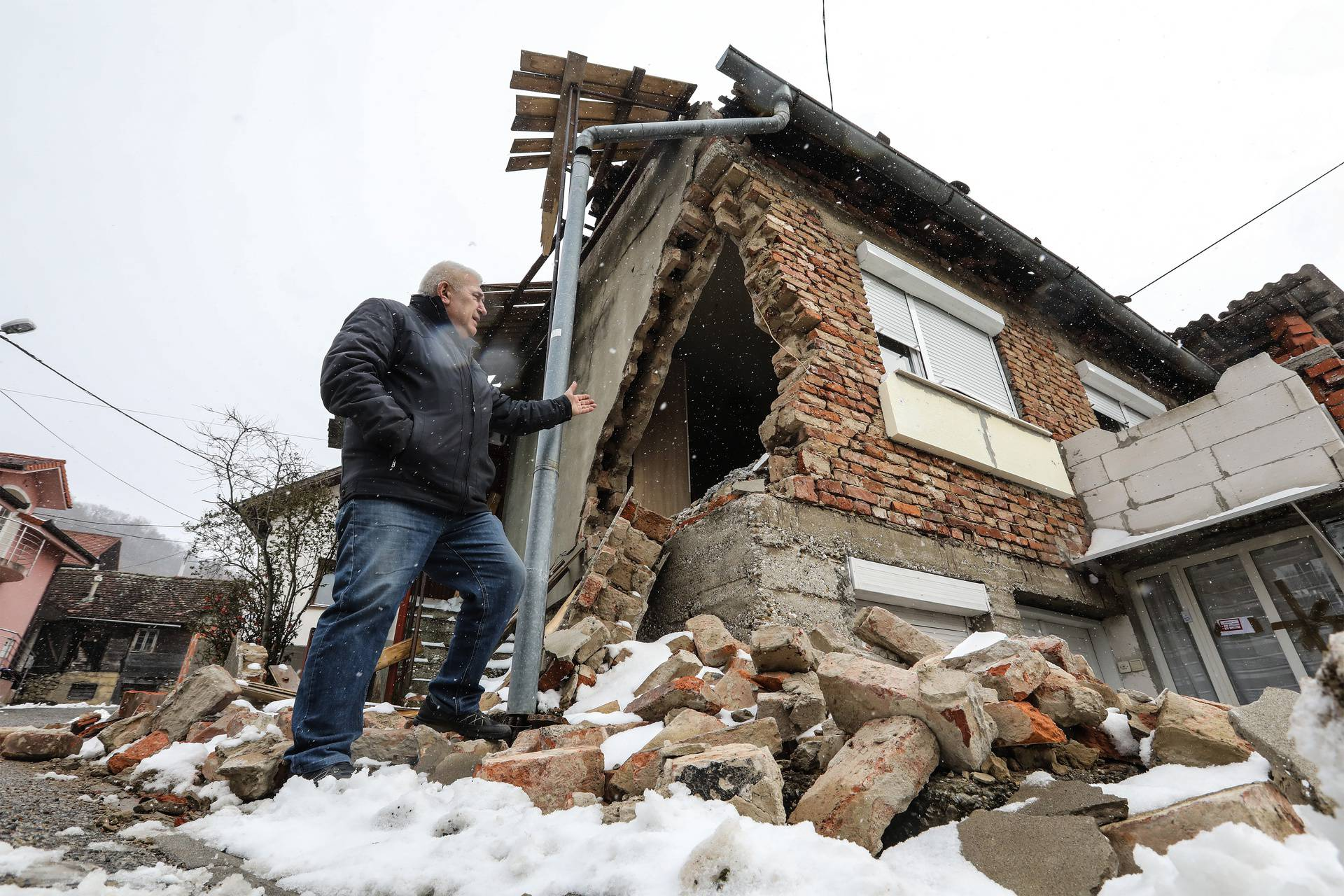 Stiglo 30.500 prijava za procjenu štete od potresa u Markuševcu: 'Fali nam ljudi...'
